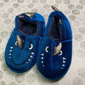 Totes Kids Blue Dinosaur Slippers Small 11-12